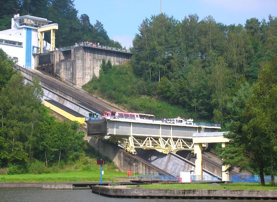 Arzviller - Canal de la Marne au Rhin (Est) (Photo PJL)