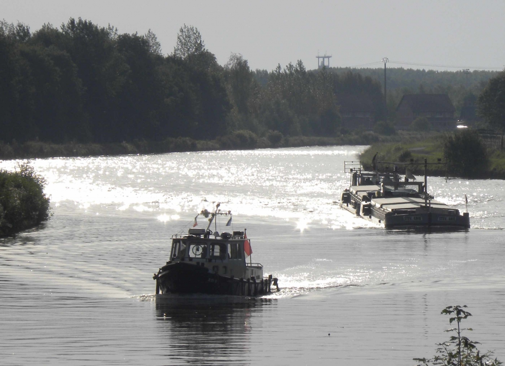 Courcelles - Canal à Grand Gabarit (Photo PJL)