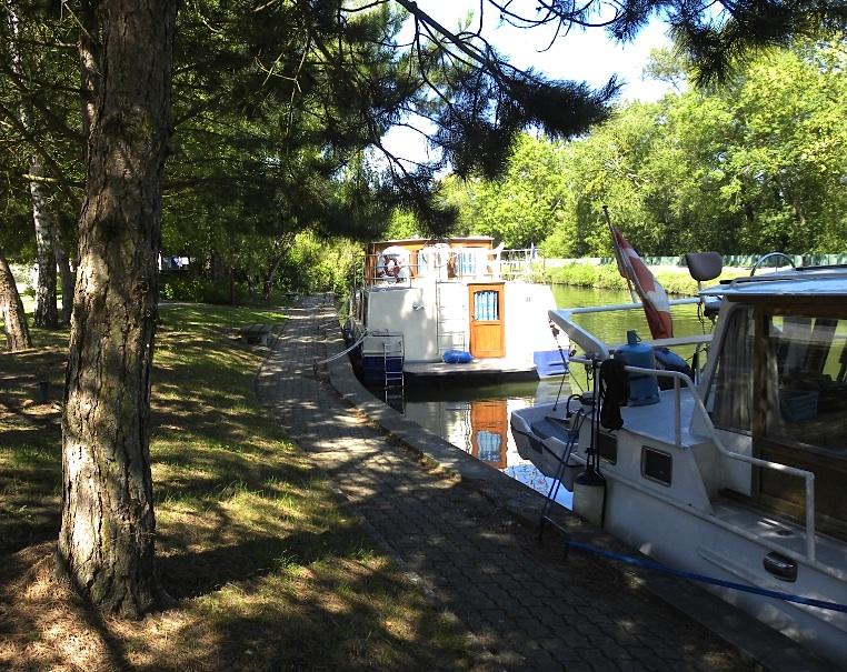Attigny - Canal des Ardennes (Photo PJL)