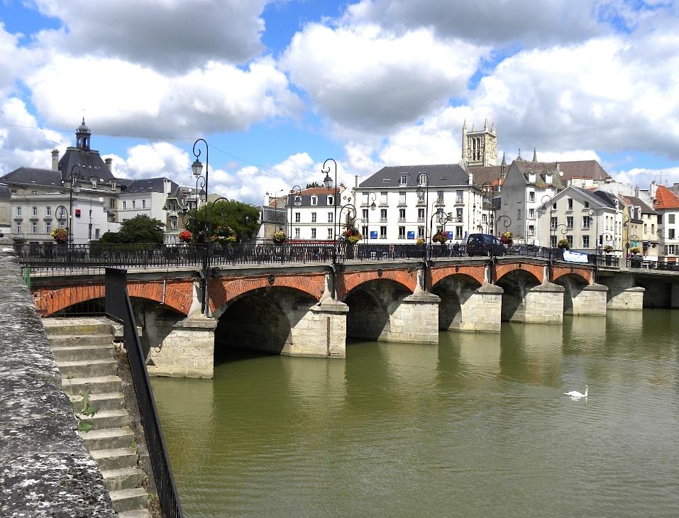 Pont de Meaux (Photo PJL)