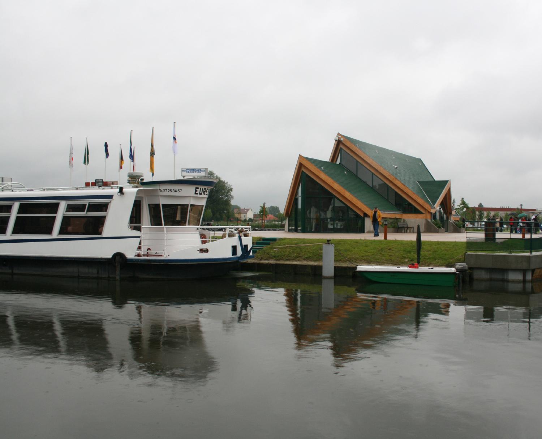Revue fluvial ports et haltes micmac au port de saint amand - Office de tourisme saint amand les eaux ...