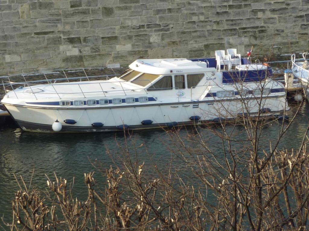 Revue fluvial bateau louer canalous un loueur l 39 arsenal - Port de l arsenal bastille ...