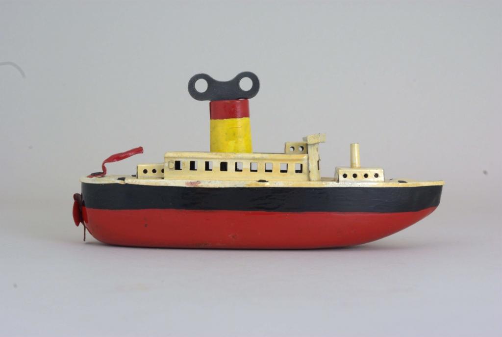 revue fluvial exposition temporaire les bateaux jouets. Black Bedroom Furniture Sets. Home Design Ideas