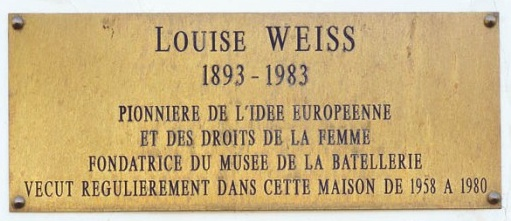 Plaque commémorative rue Louise Weiss à Conflans Sainte Honorine