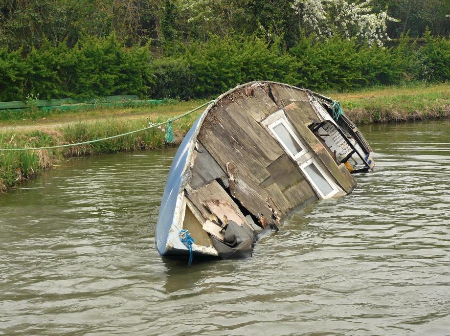 revue fluvial d chirage une casse pour les bateaux toulouse. Black Bedroom Furniture Sets. Home Design Ideas