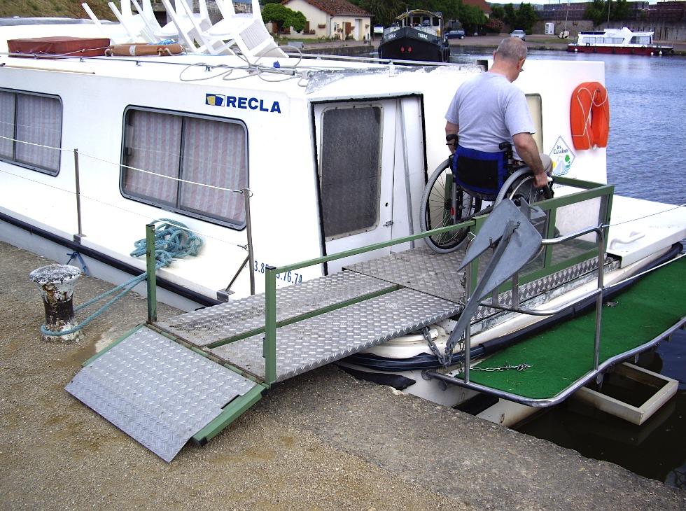 revue fluvial handicap et bateaux de location piloter en fauteuil roulant yes we can alous. Black Bedroom Furniture Sets. Home Design Ideas