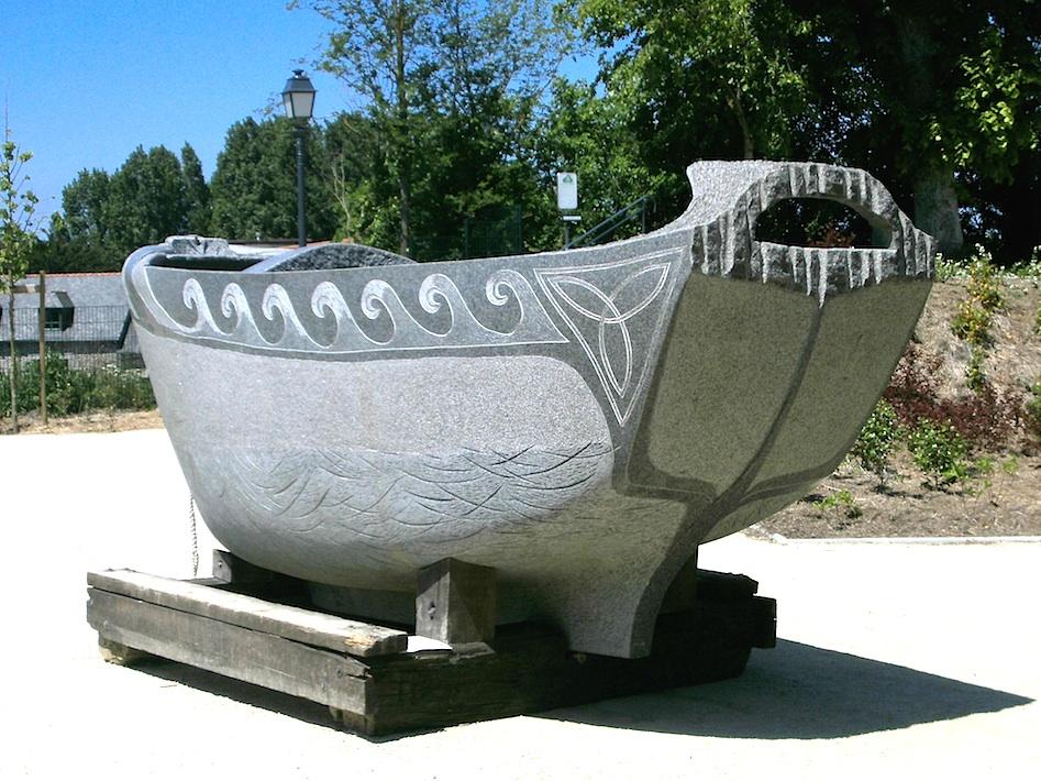 revue fluvial insolite et pourtant il flotte maen vag le bateau en granite. Black Bedroom Furniture Sets. Home Design Ideas