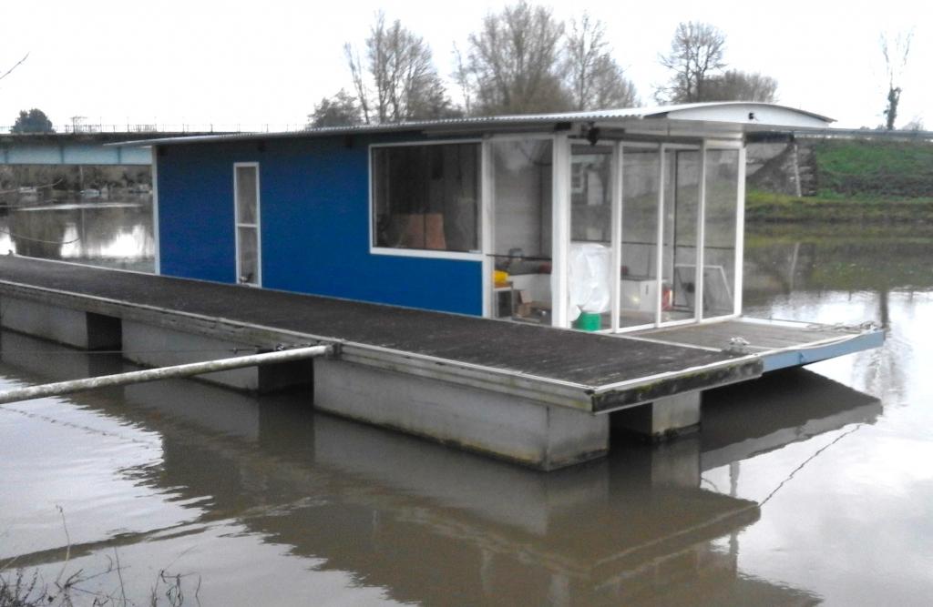 """Bien connu Revue Fluvial Construction amateur """"Mantalo"""" : un bateau habitable  IU84"""