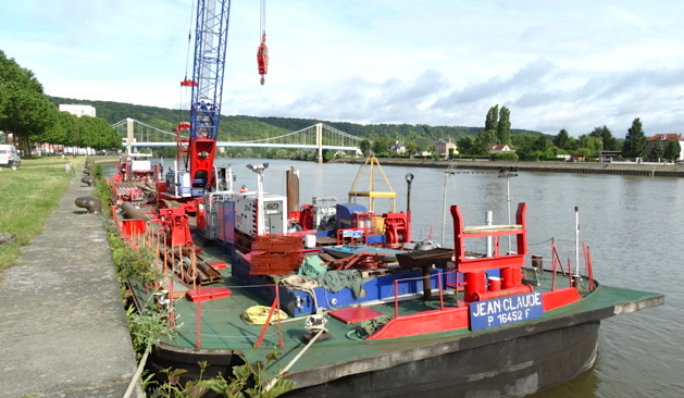 "Le ponton-grue ""Jean-Claude"" d'EMCC (Photo Journal d'Elbeuf)"
