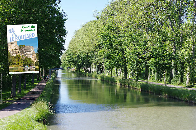 Le canal du Nivernais (Photo Gwenaelle.R - stock.adobe.com)