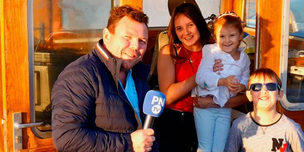 Patrice Quievy et ses enfants à bord de l'« Amiral ». (Photo PNTV)