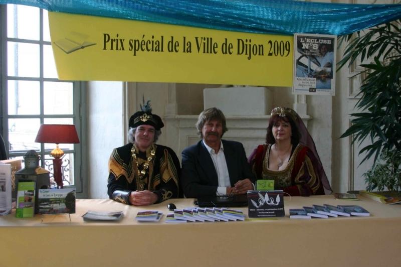 Revue fluvial l 39 cluse num ro huit prix sp cial de la for Piscine provence polyester pouilly en auxois